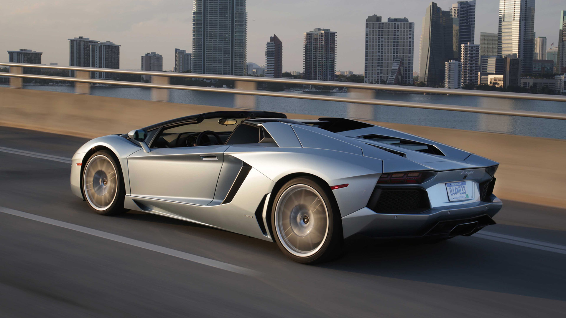 my dream car lamborghini essay Essay writing guide a my dream house a p1 my dream is to live in a big detached house surrounded by a big garden full of flowers and trees.