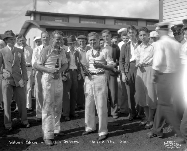 1933-35917-Shaw-Devore-after-race