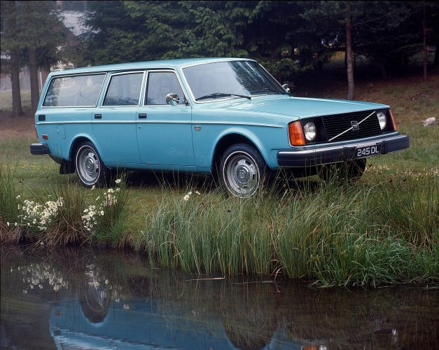 5954_Volvo_245_DL